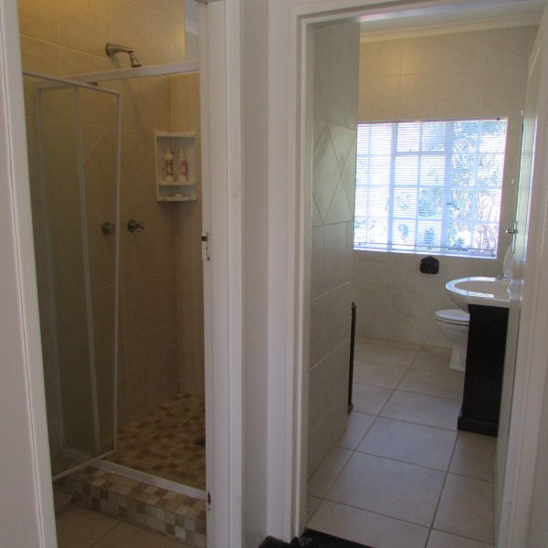 Upstairs Double Suite Shower