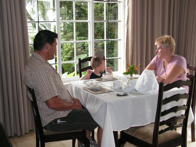 Paul & Estelle Botha and son Ruben